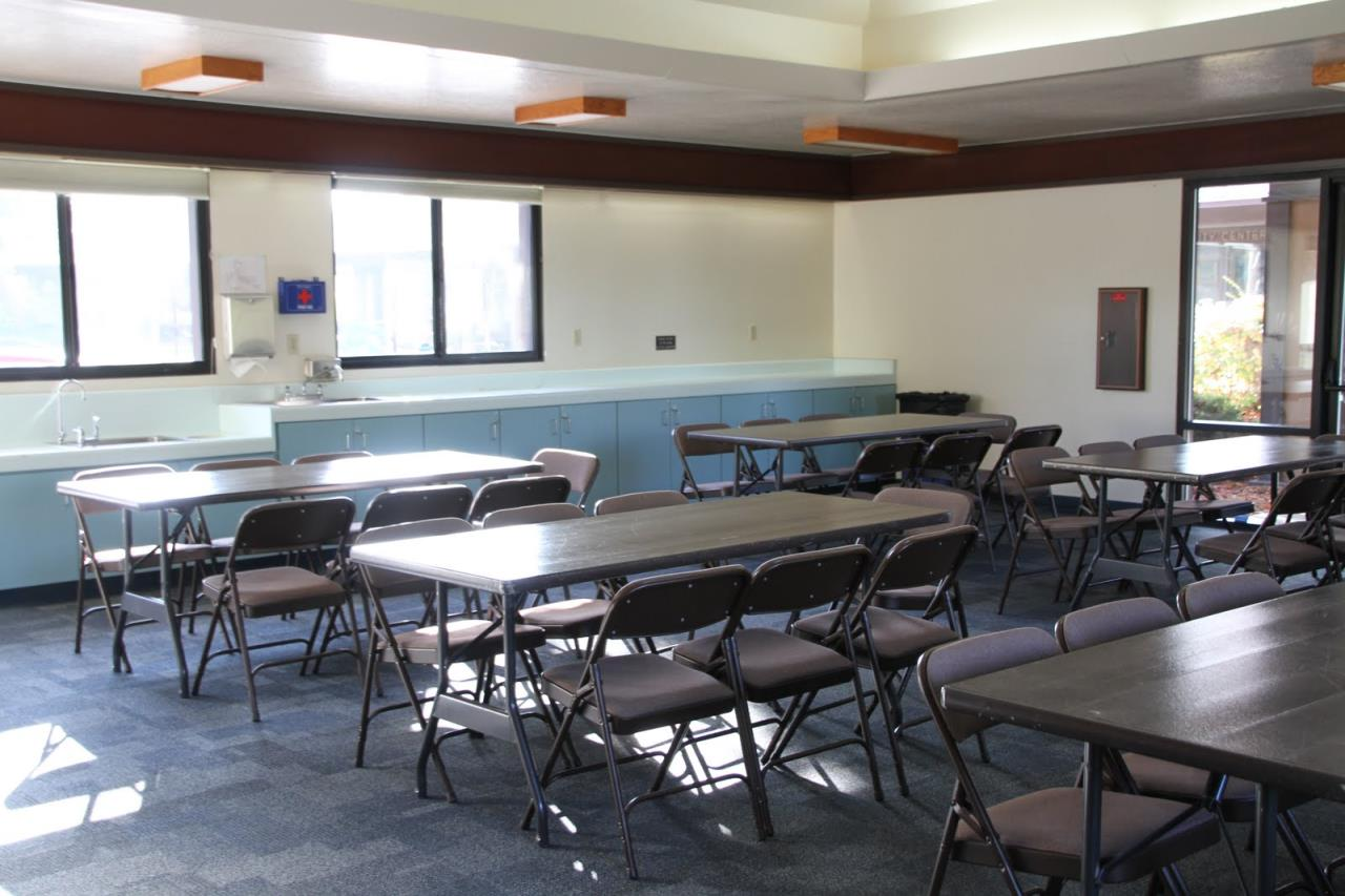 Heather Farm Community Center Club Room Facility Rentals City - Community table restaurant